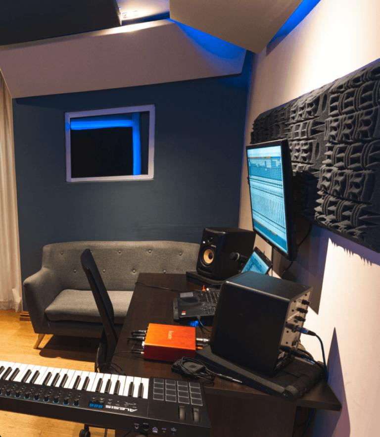 Studio B-3
